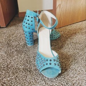 Torrid Size 8 Turquoise Studded Pumps